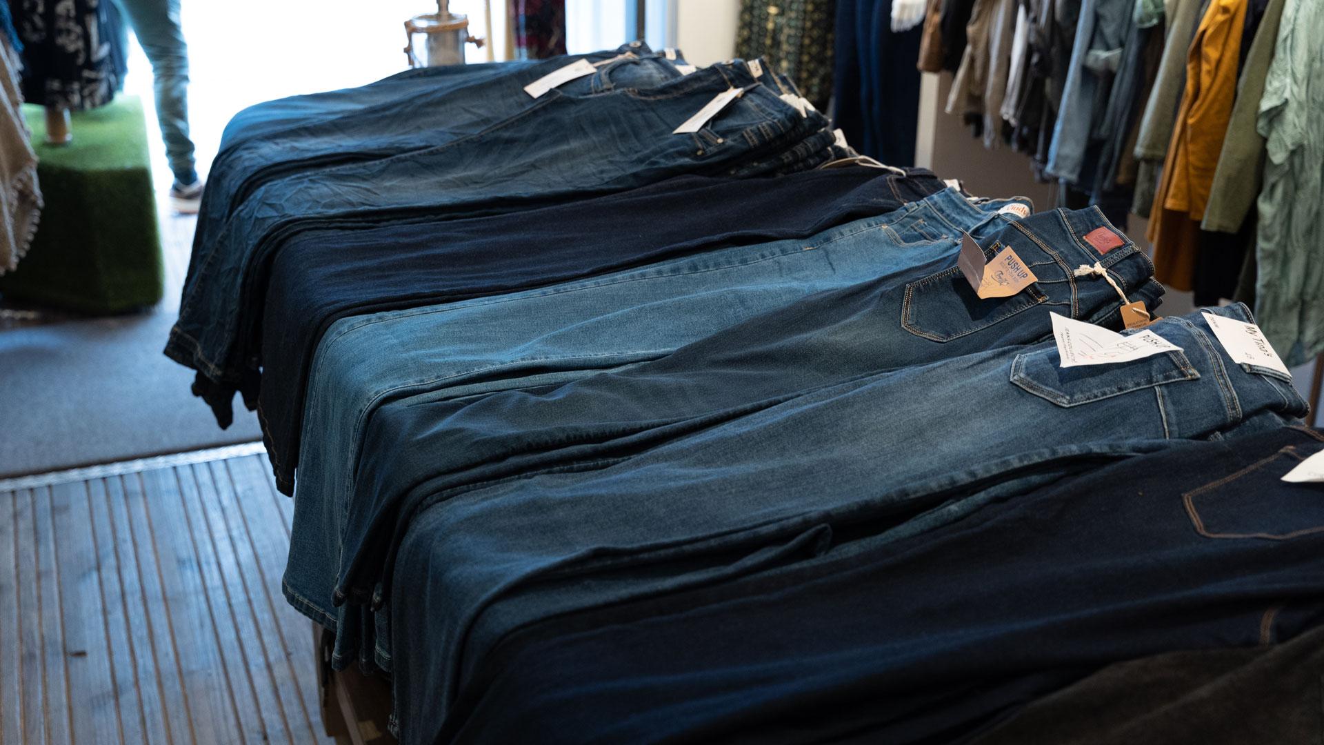 Joeys_winkel_voorkant_broeken